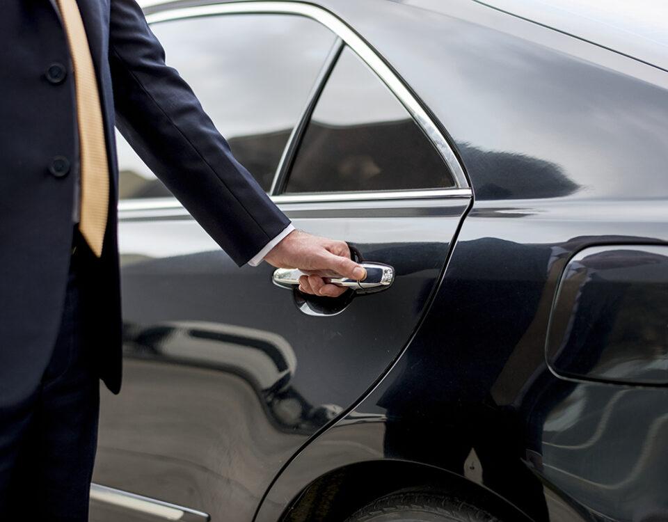 visitas-congreso-coche-con-conductor-1